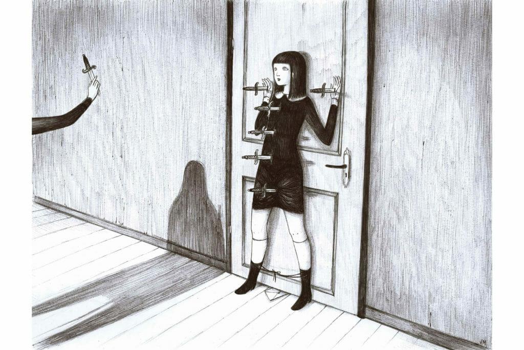 creation de Virginia Mori Illustration d'une femme poignardée contre une porte.