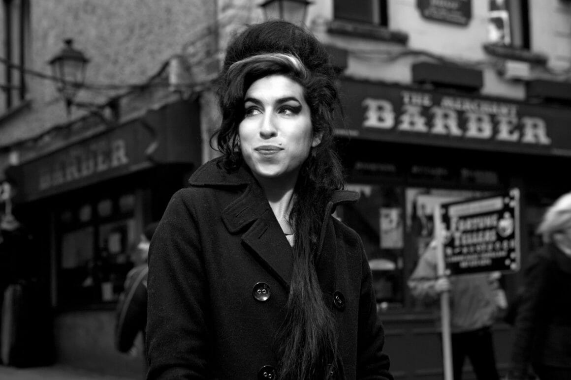 La chanteuse Amy Winehouse devant l'objectif de l'artiste
