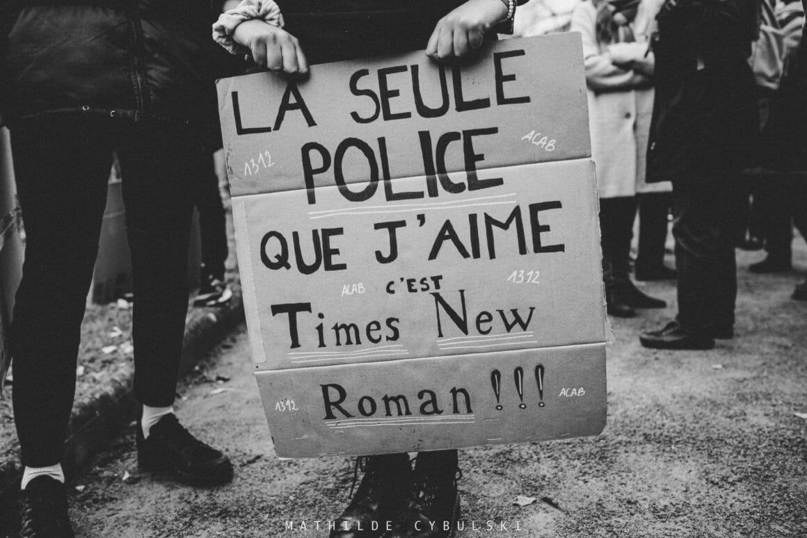 police manifestation panneau