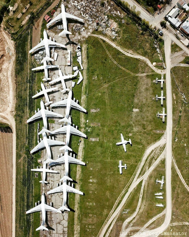 Avions vus du ciel aéroport abandonné