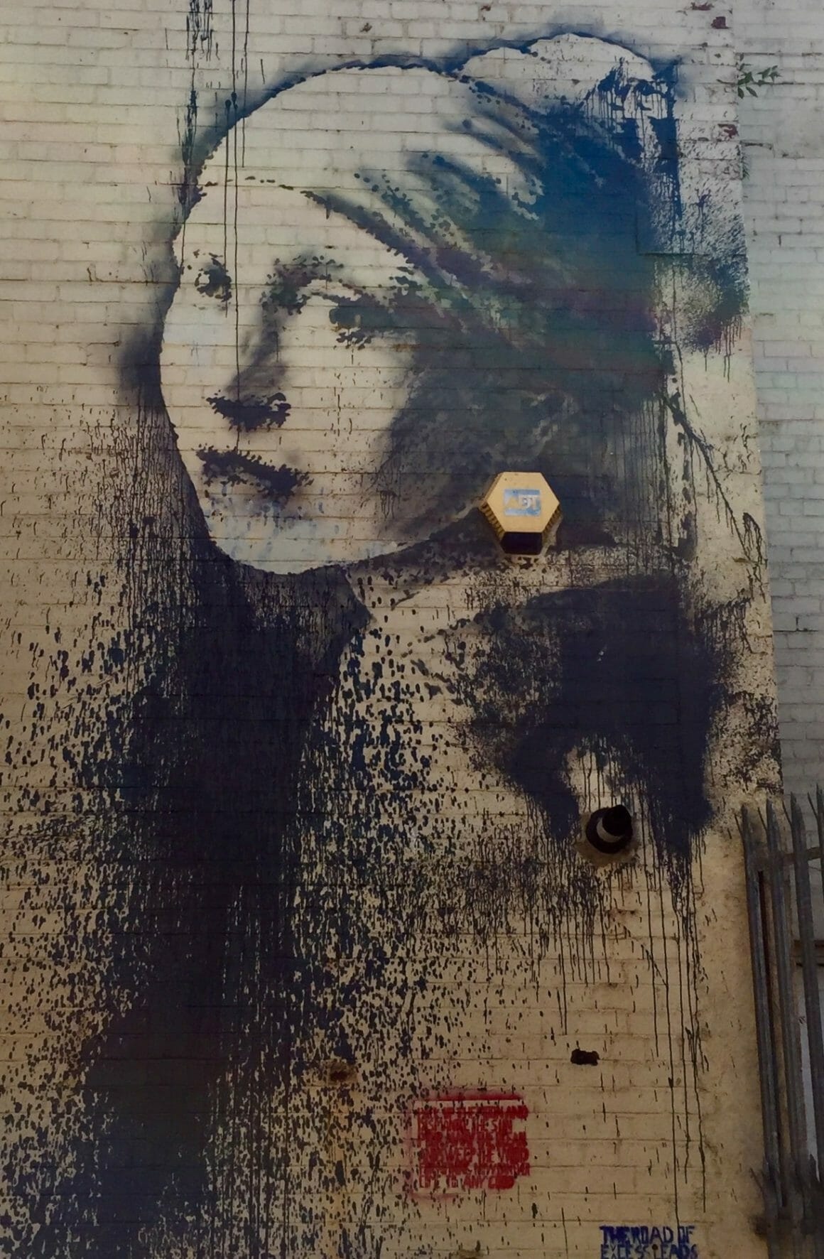 The girl with the pierced eardrum à bristol