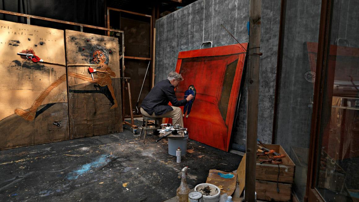 Photo de David Lynch en train de peindre prise par l'équipe de Mixte Magazine