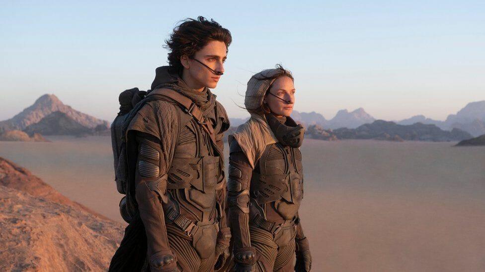 Thimothée Chalamet et Rebecca Ferguson en exil sur Arrakis.