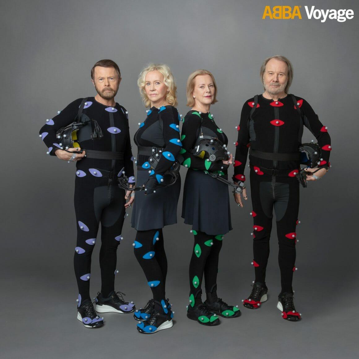 Les quatre membres portent un costume spécialement pensé pour filmer les films d'animations et recréer leurs mouvements.