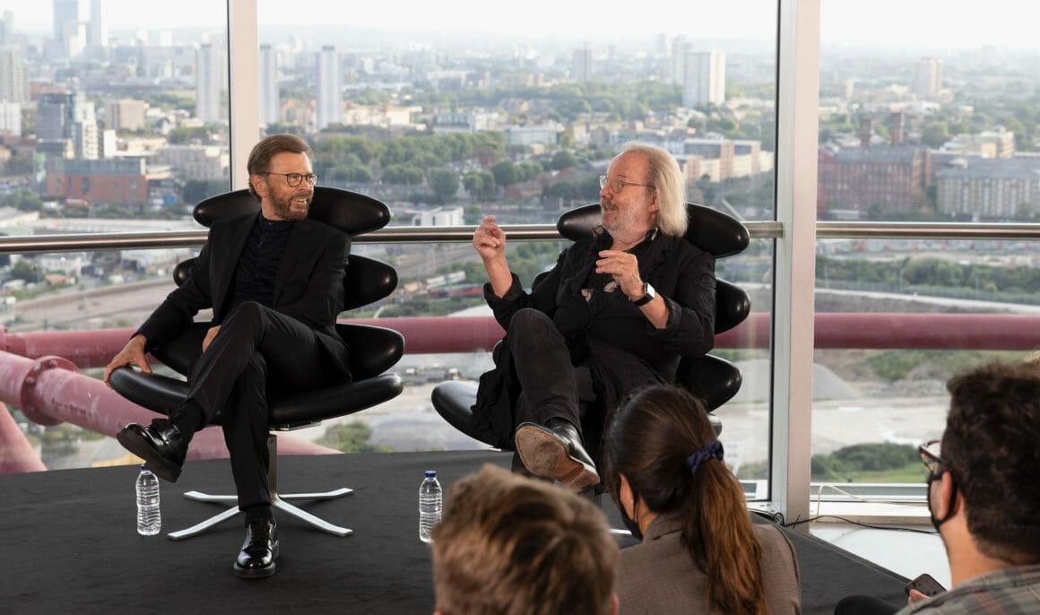 Le groupe mythique ABBA nous embarque dans un voyage futuriste 2