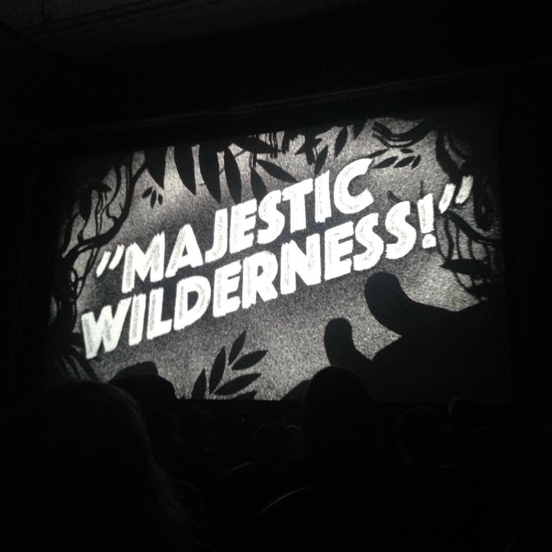 """MAJESTIC WILDERNESS!"" illustration en noir et blanc"