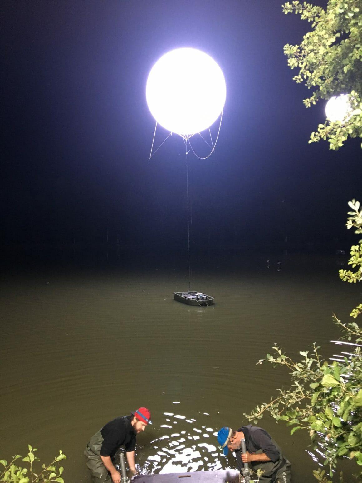 sur le tournage de boite noire comment la lumière était gérée sur l'étang